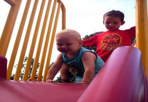 kids-on-slide